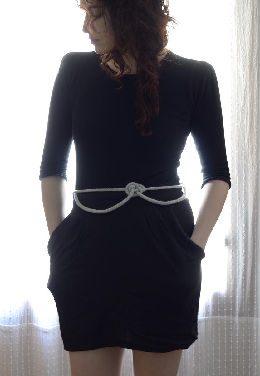 cinturon nudo arco gris