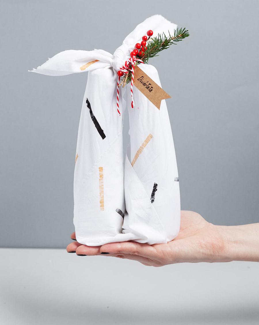 diy-furoshiki-envolver-botellas-con-tela-fin-09