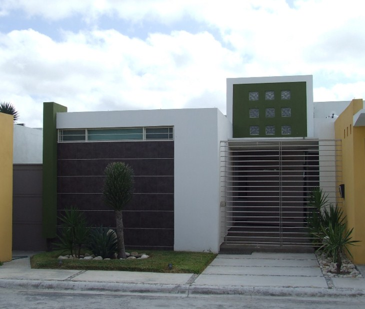 10 fachadas de casas modernas con rejas fachadas de for Fachada de casas modernas con porton