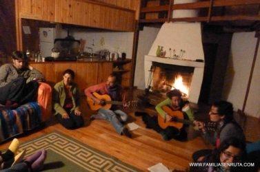 La guitarra y la hoguera acompañaron muchas noches