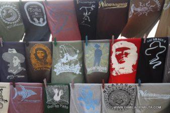 Camisetas al viento, la oferta es variada