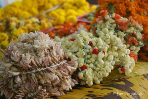 Blumen für die indischen Götter