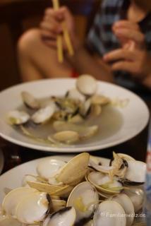 Muscheln im New Day Restaurant, Hanoi
