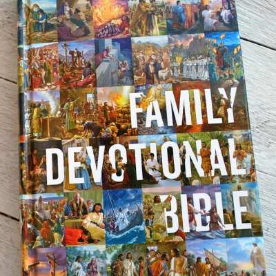 Family of Faith Resource: ESV Family Devotional Bible