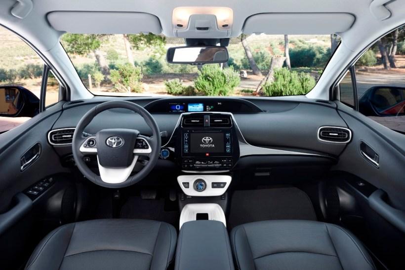2016 Toyota Prius | Fanaticar Magazin