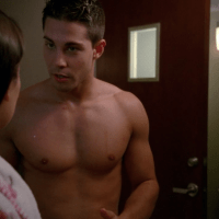 "Dean Geyer as Brody Weston shirtless on Glee 4x01 ""The New Rachel"""