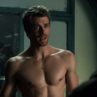 """Luke Mitchell as John Young shirtless in The Tomorrow People 1x05 """"All Tomorrow's Parties"""""""