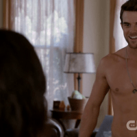 """Nathaniel Buzolic as Jimothy """"Jimmy"""" Barnes shirtless in Significant Mother 1×05 """"Suffering & Succotash"""""""