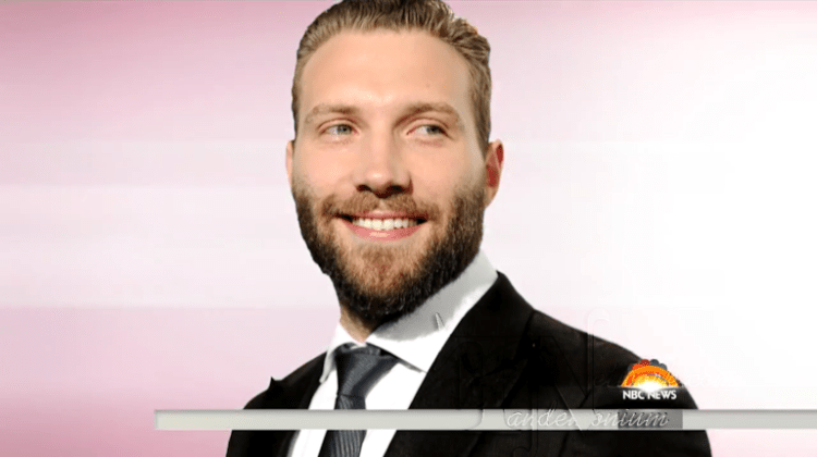 _Jai Courtney Ripped Pants During 'Insurgent' - TODAY