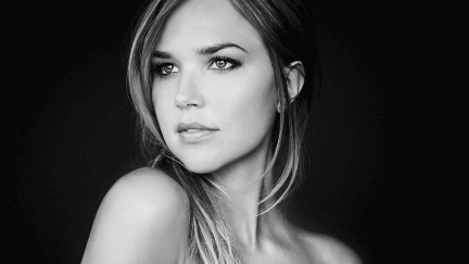 arielle-kebbel-fifty-shades-freed
