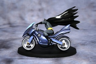 DC Superhero Figurines Batcycle 002