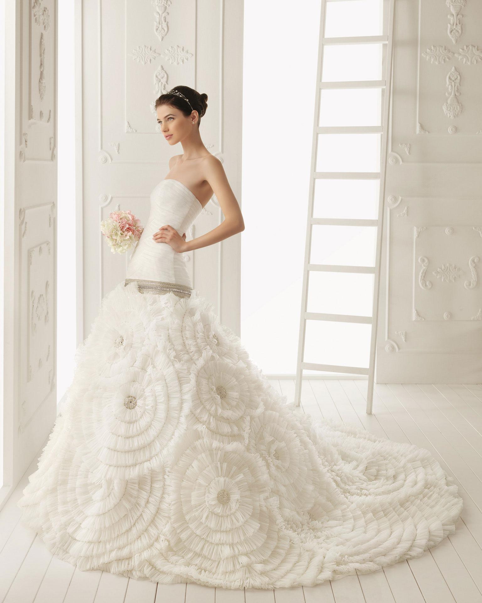 2 different wedding dresses fantastic wedding dress