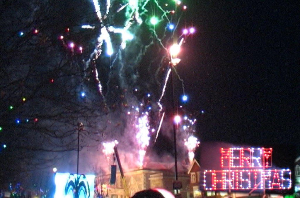 Professional Fireworks Displays | Christmas Lights Fireworks