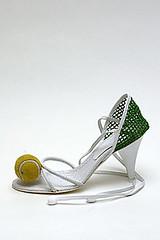 Tennis Court Pump - Chanel - Spring RTW, 2004