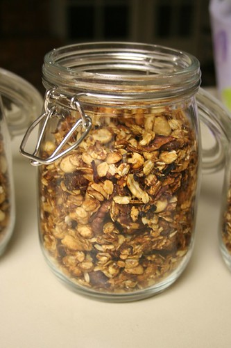 granola, cooling