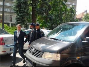 Procurorii au ridicat valize cu bani de acasă de la Scripcaru și de la prietena lui, Cristina Antonie
