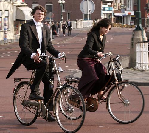 Bicicletas e Ternos