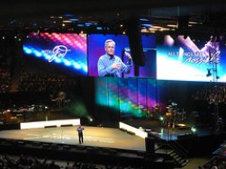 Bill Hybels and staging