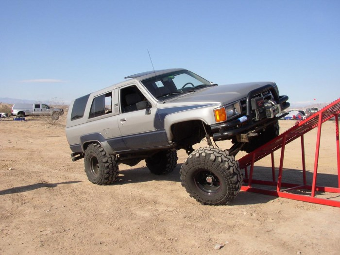 1985 4Runner suspension flex