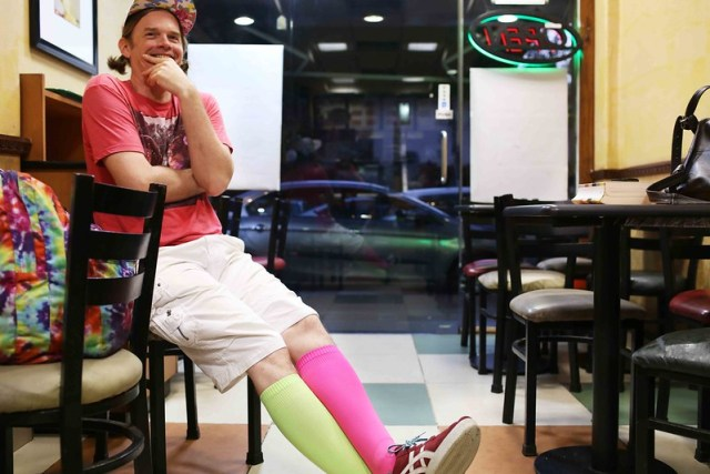 City Style – A Man in Asymmetrical Colours, Subway Restaurant, Khan Market
