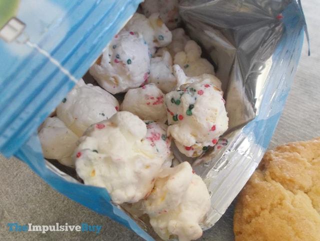 Cracker Jack Holiday Sugar Cookie Popcorn 3