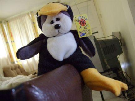 Straddle Penguin