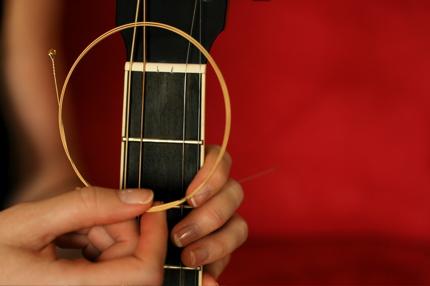 restringing guitar - 05