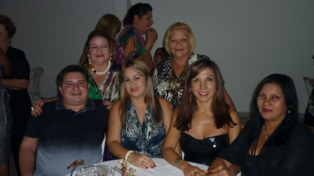 Graça Gonçalves com Bruno e Juliane Sá, Aldanita Sá, Alberta Riker e Rosilda Kokai