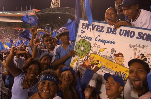 Dominican Fans Loving It Up!