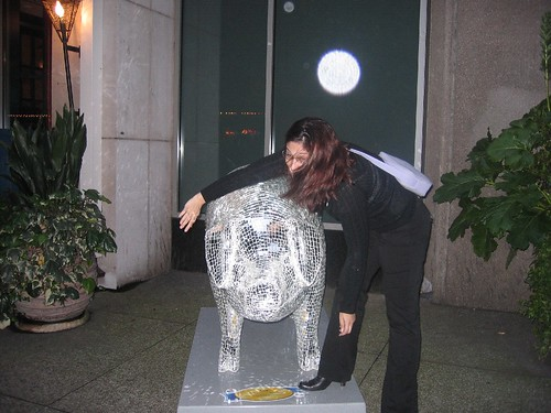 Susan hugs a pig - SMX Seattle 2007