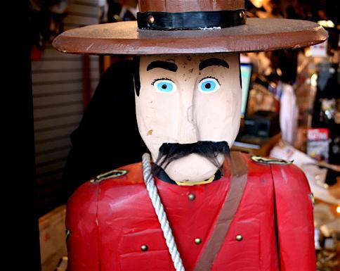 canadian things - Mounties1