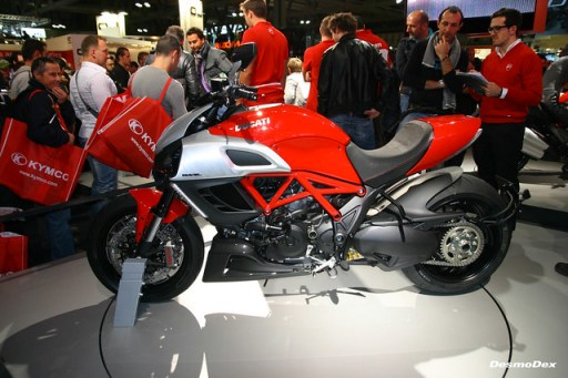 5155057648 9337e5143f z The Ducati Diavel for Best Cruiser? Heres Why.