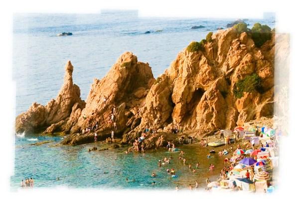 الشاطئ الأزرق، شنوة تيبازة
