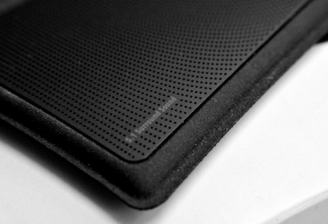 Dolby Digital 5.1 speakers on cluch cover of the ASUS Zenpad 7.0