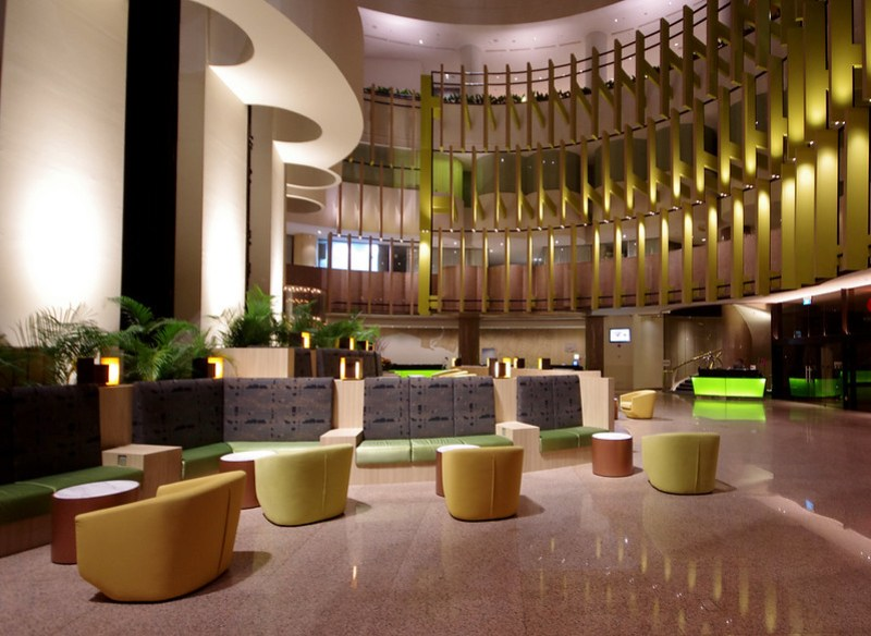 holiday inn singapore atrium lobby