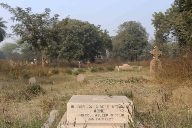 City Walk – Nicholson Cemetery, Near Kashmere Gate
