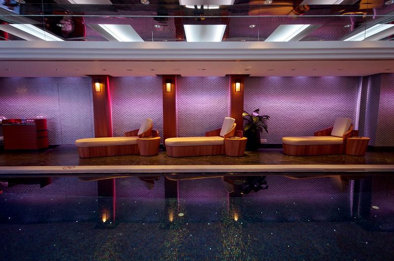 swimming pool - mandarin oriental hong kong