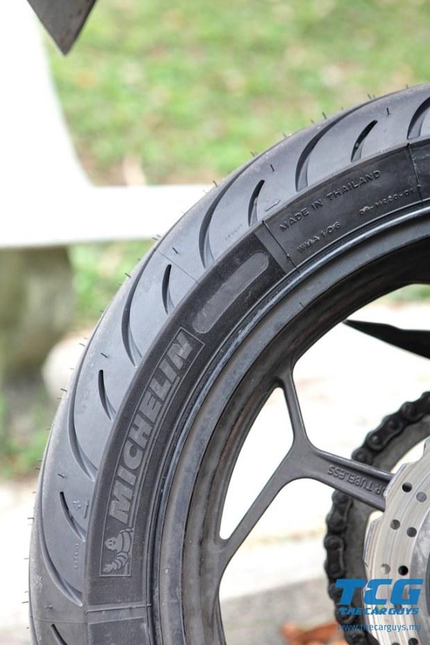Michelin Pilot Street Radial (17)