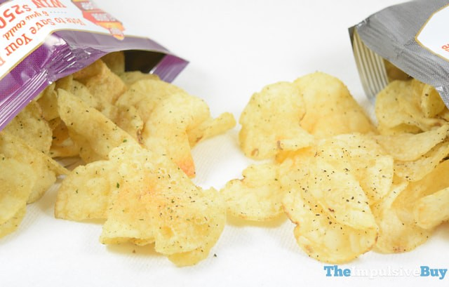 Lay's Kettle Cooked Olive Oil & Herbs Potato Chips (Flavor Swap) 3