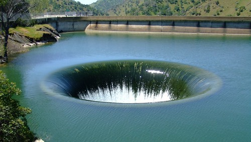 monticello dam hole
