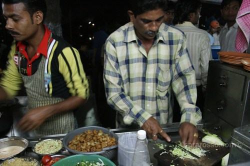 "Indian ""Desi"" Chinese food on the streets of Navsari"