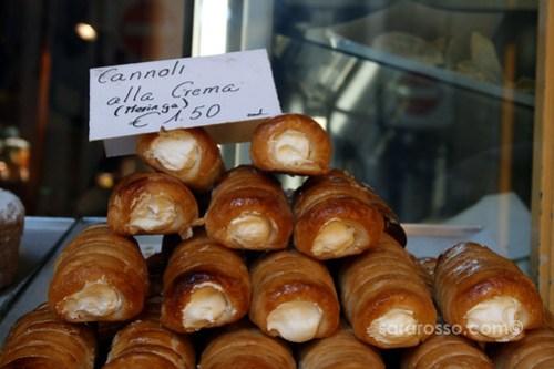 Cannoli alla Crema (Meringue) in Bergamo Alta, Italy