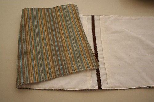 reversible pintucked table runner with matching cloth napkins, jackie