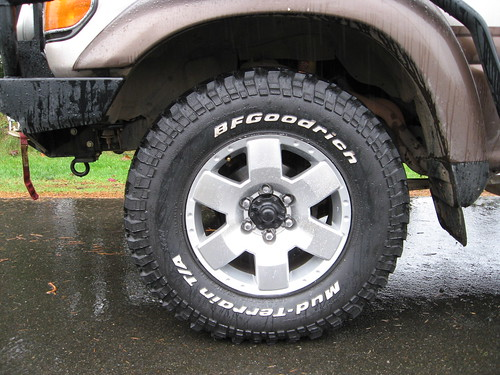 Toyota FJ Cruiser Alloy Wheels and 285/70R-17 BFG M/Ts