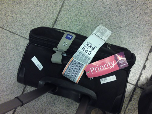 Baggage with priority tag (by kalleboo)
