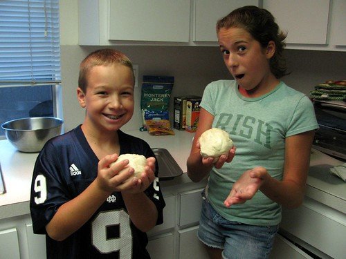 Kids Making Pizza 8