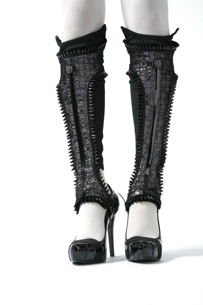 black leg cuff