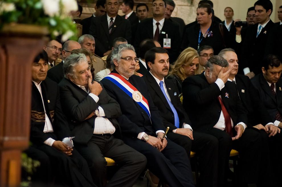 Los Presidentes Evo Morales (Bolivia), José Mujica (Uruguay) acompañan al Presidente Fernando Lugo y al Vicepresidente Federico Franco durante la Misa por el Bicentenario llevada a cabo el 14 de Mayo a tempranas horas en la Catedral de Asunción. (Elton Núñez - Asunción, Paraguay)