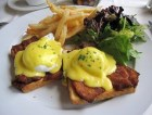 atmosphere - Oeufs Bénédictine (aka eggs benedict) with bacon