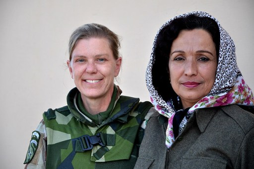 Ulrika med en afghansk kapten från ANP